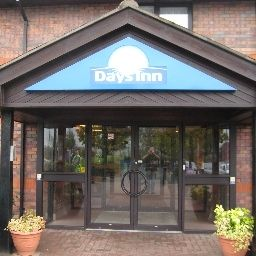 Exterior view Days Inn Durham