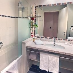 Bathroom Fraser Suites Harmonie Paris La Defense