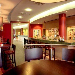 Bar Courtyard by Marriott Berlin Mitte