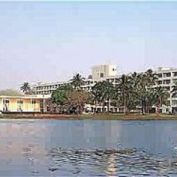 Exterior view Inya Lake