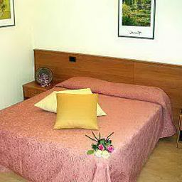 Room Tirrenus