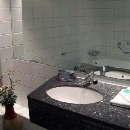 Cuarto de baño Arora Hotel Heathrow