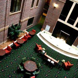 Hall Courtyard Wichita at Old Town Fotos