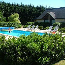 Pool Les Dineux Village