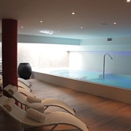 Piscina Montaigne & Spa