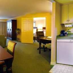 Suite Hampton Inn BuffaloWilliamsville