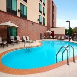 Pool Comfort Inn & Suites Airport