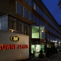 Фасад Crowne Plaza LONDON - EALING