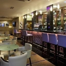 Бар Crowne Plaza LONDON - EALING