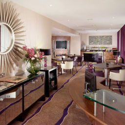 Холл Crowne Plaza LONDON - EALING