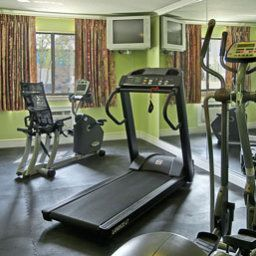 Wellness/Fitness Super 8 Florence Fotos