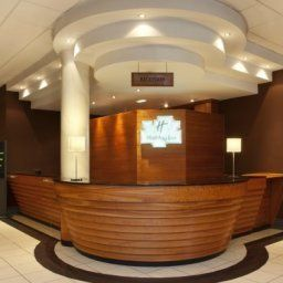 Hall JCT.37 Holiday Inn BARNSLEY M1