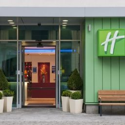 Фасад Holiday Inn Express NEWCASTLE CITY CENTRE