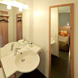 Bathroom Balladins Mulhouse Euroairport