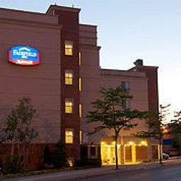 Фасад Fairfield Inn New York LaGuardia Airport/Flushing