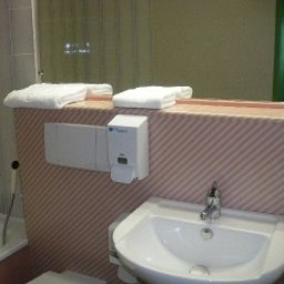 Bathroom Come-Inn