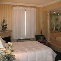 Suite Monte Carlo Inns Toronto West