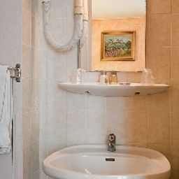 Bathroom Paris Legendre