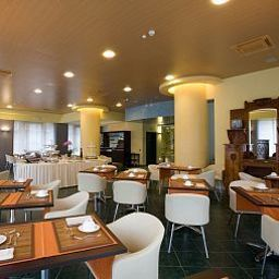 Breakfast room within restaurant Senator