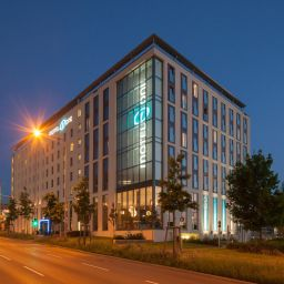 Фасад Motel One Feuerbach