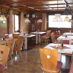 Breakfast room within restaurant Der Bergbauernwirt im Landhaus Bolgental