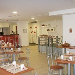 Breakfast room Sejours & Affaires Paris Ivry Apparthotel