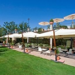 Buffet Relais Villaggio Le Querce Garden