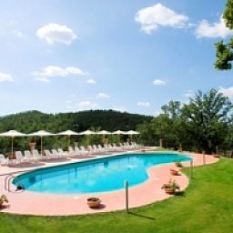Pool Relais Villaggio Le Querce Garden