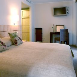 Suite Royal Square Hotel & Suites