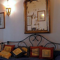 Vista all'interno Cecilia Suites Rome Apartment
