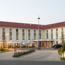 Exterior view Holiday Inn Express MUNICH AIRPORT