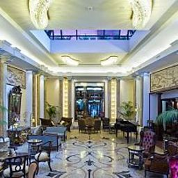 Hall Grand Hotel Savoia