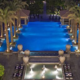 Piscina Dusit Thani LakeView