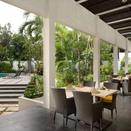 Breakfast room within restaurant Hotel Santika Cirebon