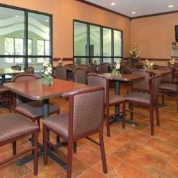 Restaurant Comfort Inn Near Walden Galleria Mall