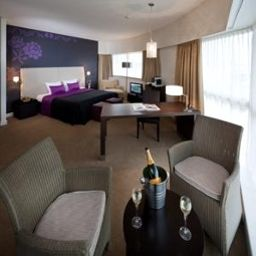 Suite Junior Van Der Valk Brussels Airport