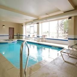 Pool Sleep Inn & Suites