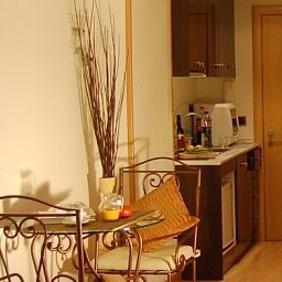 AinB Ramblas - Ample Apartment