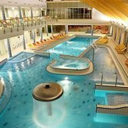 Piscine Velence Resort & Spa