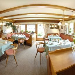 Breakfast room within restaurant Bauernhof Haus Wiesenheim