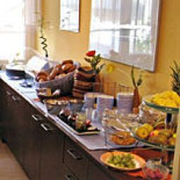 Buffet Donauhotel Bed & Breakfast
