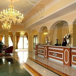 Hall Grand Hotel President Fotos