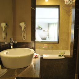 Bathroom Ramada Plaza Antalya