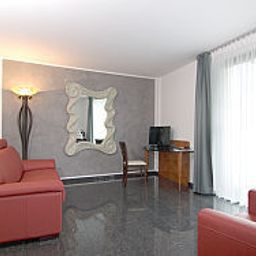 Habitación Maria Suites Apartments