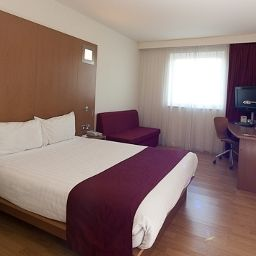 Camera Ramada Encore Warrington