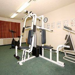 Fitness Quality Inn Tigard