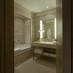 Bathroom Savoia Grand Hotel