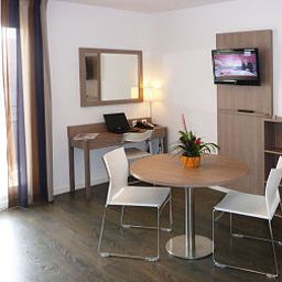 Suite Residhome Roissy Village Apparthotel