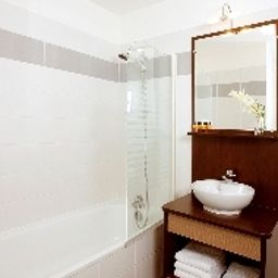 Camera da bagno Appart City Versailles Le Port Marly Residence Hoteliere