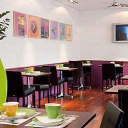 Breakfast room within restaurant ibis Styles Asnieres Centre